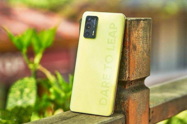 Ảnh chi tiết smartphone 5G, RAM 8 GB, pin 4.500 mAh, sạc 30W, giá rẻ bất ngờ
