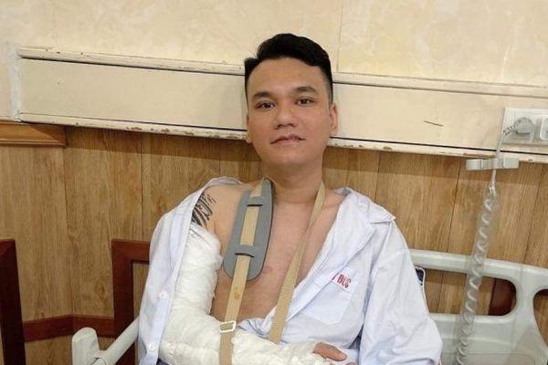 Khắc Việt như thế nào sau ca phẫu thuật 'đóng đinh'?