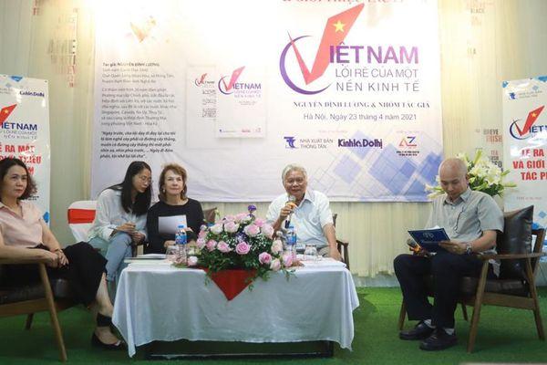 Ra mắt cuốn sách 'Việt Nam - Lối rẽ của một nền kinh tế'