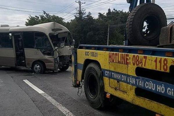Tin giao thông đến sáng 24/4: Loạt tai nạn xe máy khiến 4 người tử vong, 5 người bị thương