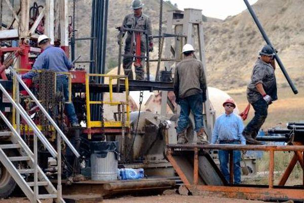 Sự chuyển mình đầy đau đớn của các Big Oil