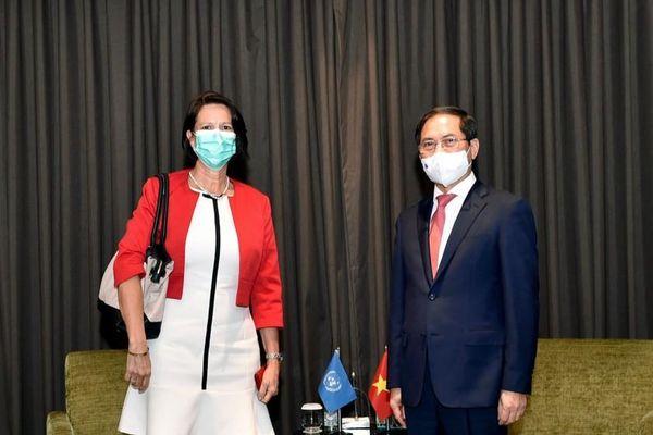 Bộ trưởng Bùi Thanh Sơn tiếp đặc phái viên Tổng Thư ký LHQ về Myanmar