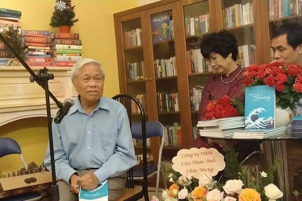 Nhà thơ Nguyễn Quang Thiều: 'Những con sóng' chứa đựng điều lớn lao nhất của kiếp nhân sinh