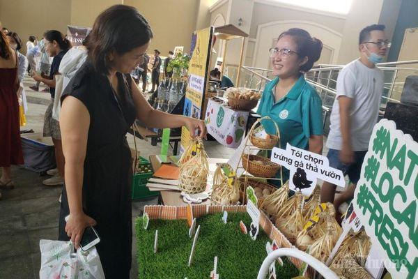 Đà Nẵng: Phiên chợ tử tế thu hút người tiêu dùng và du khách