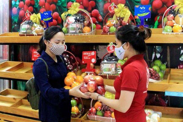Tăng cường quản lý các cửa hàng trái cây an toàn