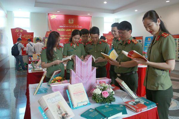 Lan tỏa văn hóa đọc trong lực lượng Công an Hà Nội