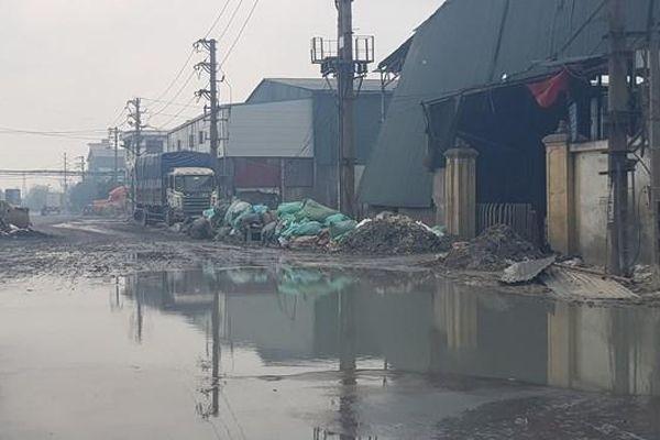 Doanh nghiệp làm giấy xả thẳng nước thải ra môi trường, dân Phú Lâm lãnh đủ