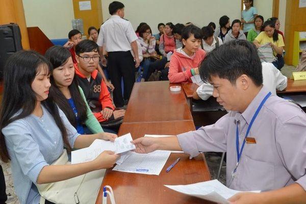 Những lưu ý đặc biệt về đăng ký xét tuyển và học phí đại học năm 2021