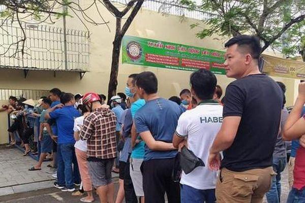 CĐV Thanh Hóa xếp hàng mua vé chờ xem đại chiến HAGL