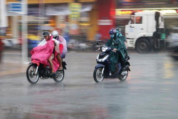 Thời tiết dịp nghỉ lễ 30/4-1/5: Mưa dông, lốc, sét, mưa đá diễn ra nhiều nơi