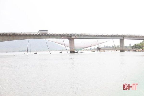Khó xử lý vi phạm hành lang đường thủy nội địa ở Hà Tĩnh