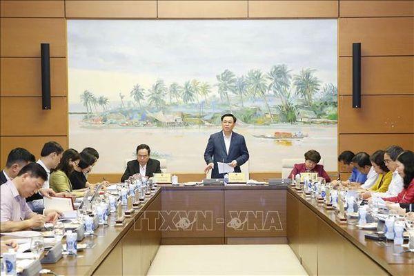 Chủ tịch Quốc hội làm việc với Thường trực Ủy ban Về các vấn đề xã hội của Quốc hội