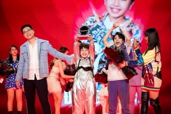 Vì sao Đăng Bách giành ngôi đầu 'Giọng hát Việt nhí 2021' ?