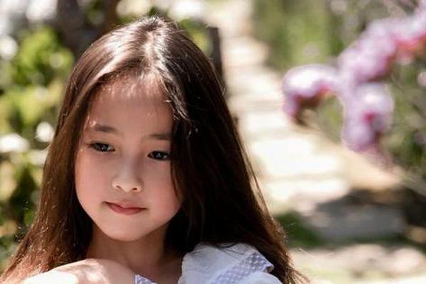 Con gái Hoa hậu Hà Kiều Anh xinh đẹp, yêu kiều cỡ nào mà được gọi là 'tiên tử'?