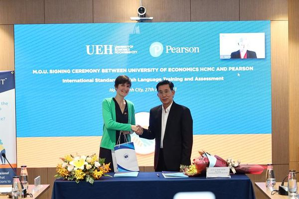 UEH hợp tác cùng Tập đoàn Pearson phát triển hệ sinh thái dạy và học tiếng Anh
