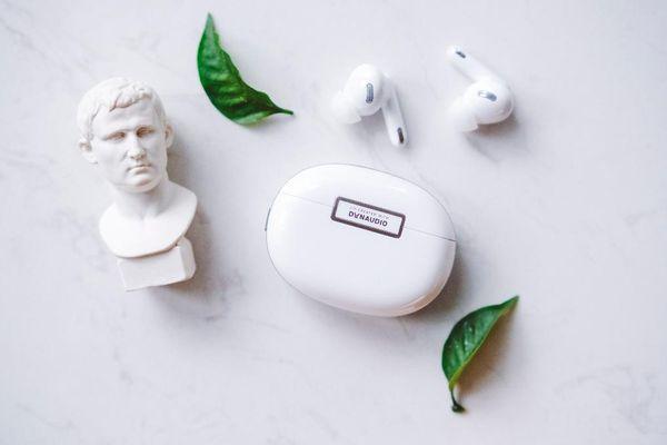 Đánh giá tai nghe OPPO Enco X, 'lính mới' tai nghe không dây tại VN