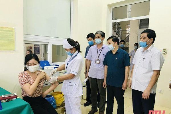 Giám sát hỗ trợ chiến dịch tiêm vắc - xin phòng COVID-19 tại huyện Như Thanh và Nông Cống