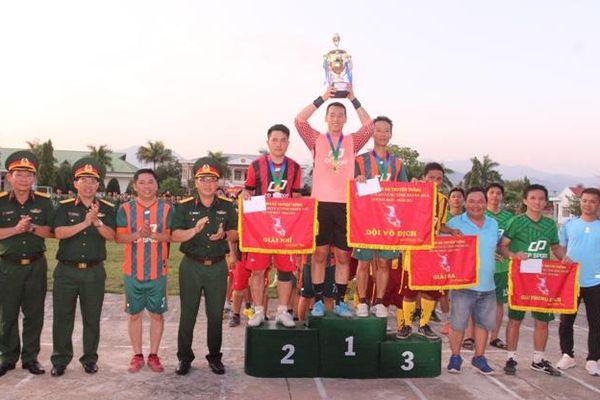 Bộ Chỉ huy Quân sự tỉnh Khánh Hòa tổ chức giải bóng đá truyền thống