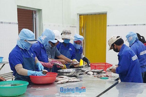 Doanh nghiệp chế biến thủy sản vẫn gặp khó
