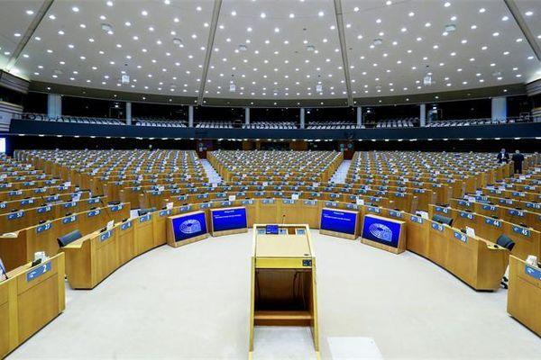EU và Anh sẽ thoát khỏi bờ vực gián đoạn thương mại?
