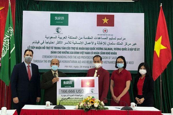 Saudi Arabia hỗ trợ lương thực thiết yếu cho người dân gặp khó khăn