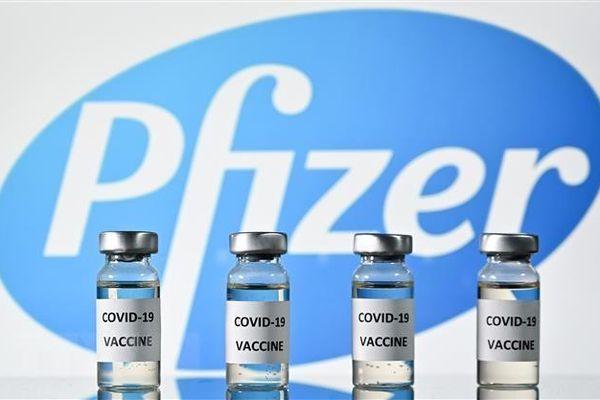 Anh đặt mua thêm 60 triệu liều vaccine Pfizer/BioNTech