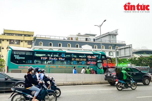 Tầm nhìn quy hoạch, quản lý bến xe tại Hà Nội - Bài 2: 'Khai tử xe dù bến cóc'