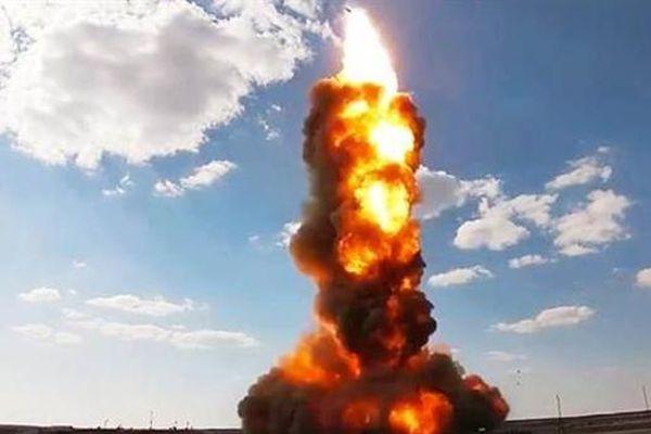 Ngày 26/4, A-235 đã tước quyền bá chủ thế giới của Mỹ