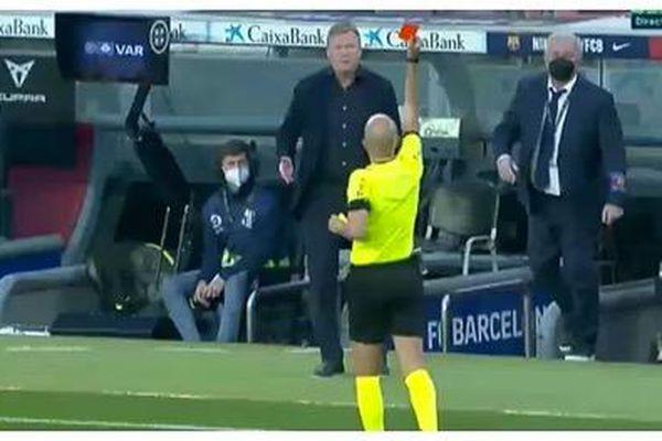 Câu nói khiến thuyền trưởng Barcelona lĩnh thẻ đỏ