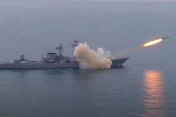 Lần đầu trên Biển Đen, tàu tuần dương Moskva bắn tên lửa Vulkan trúng mục tiêu