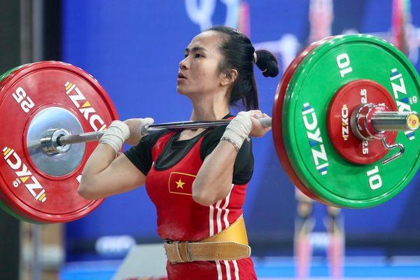 Cử tạ Việt Nam trước ngưỡng cửa Olympic 2020: Án phạt vẫn treo lơ lửng