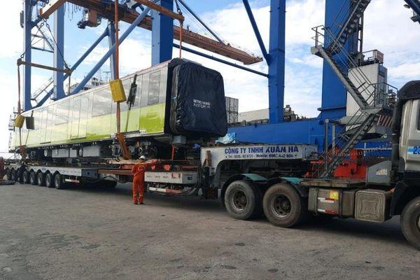 Đoàn tàu thứ tư của dự án đường sắt Nhổn - Ga Hà Nội đã về đến Việt Nam