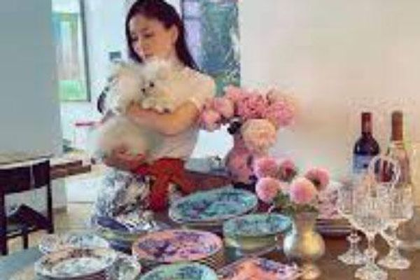 Bà xã Jang Dong Gun khoe một góc xa hoa trong căn penthouse sang trọng trị giá 207 tỷ đồng