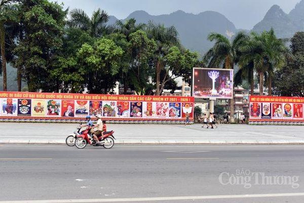 Hà Giang rực rỡ cờ, pa nô trước ngày bầu cử