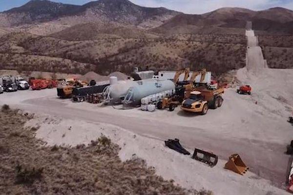 Bộ Quốc phòng Mỹ có hủy được dự án tường biên giới?