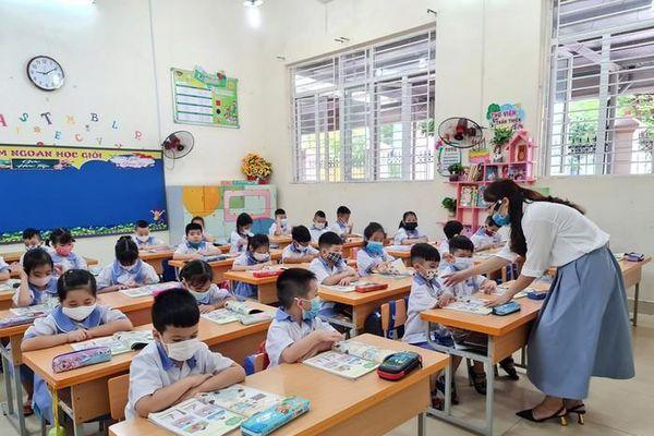 Tản mạn về đồng lương 'thanh cao' và những nghề tay trái của giáo viên