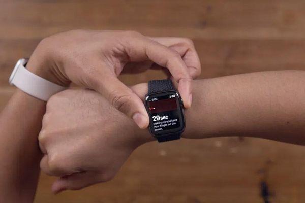 Người dùng Apple Watch tại Việt Nam có thể đo được điện tâm đồ