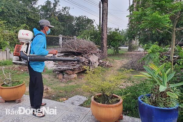 H.Trảng Bom: Phun hóa chất phòng dịch sốt xuất huyết trên diện rộng