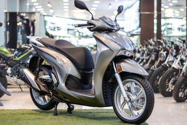 Có 400 triệu nên mua Honda SH 350i hay môtô phân khối lớn?