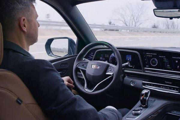 Cadillac Escalade 2021 được nâng cấp hệ thống lái tự động