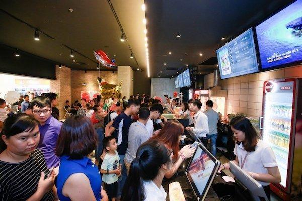 TP Hồ Chí Minh: Từ 18 giờ ngày 3/5, dừng hoạt động massage, rạp phim, trò chơi điện tử
