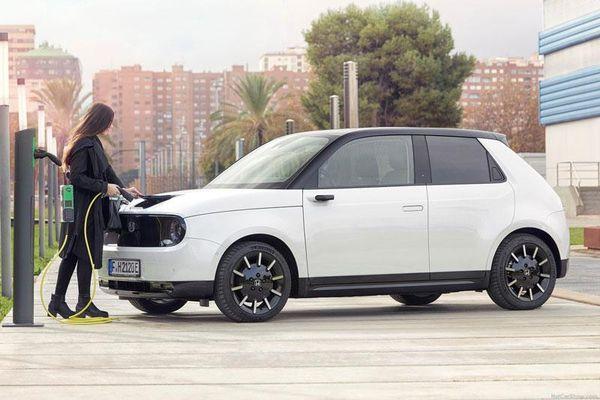 Từ năm 2040, Honda sẽ ngừng bán ôtô động cơ đốt trong