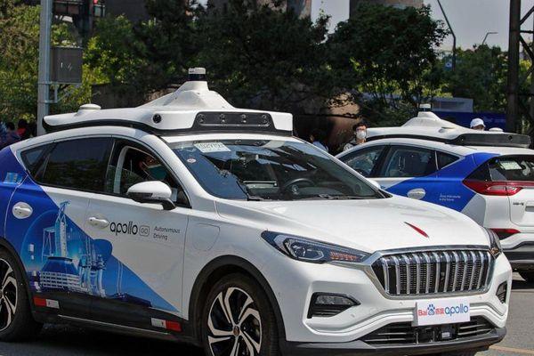 Xuất hiện dịch vụ taxi không người lái ở Trung Quốc