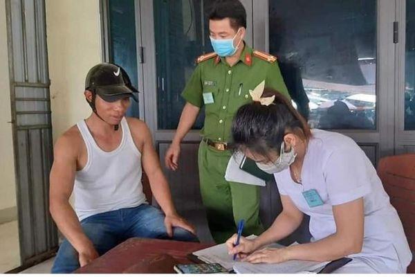 Nghệ An, Hà Tĩnh: Nhiều người bị phạt vì không đeo khẩu trang