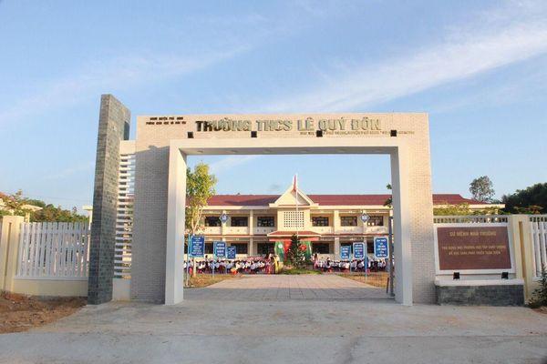 Một trường THCS chất lượng cao bị dừng hoạt động