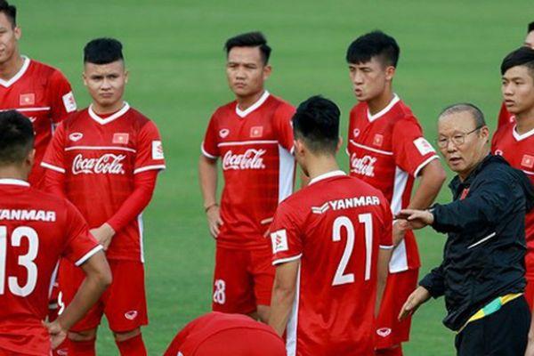 Thầy trò HLV Park Hang-seo về Hà Nội để chuẩn bị cho vòng loại World Cup 2022