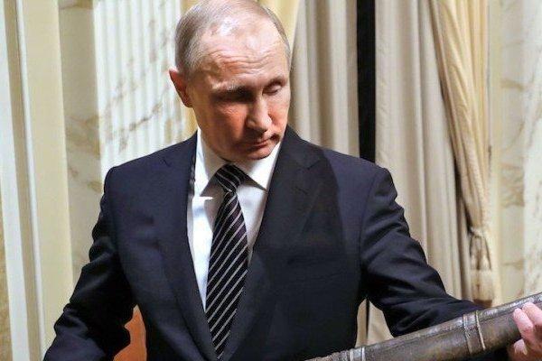 Xuất quân 'diễu võ dương oai' Ukraine, ông Putin muốn 'mài cho Nga lưỡi kiếm sắc'?