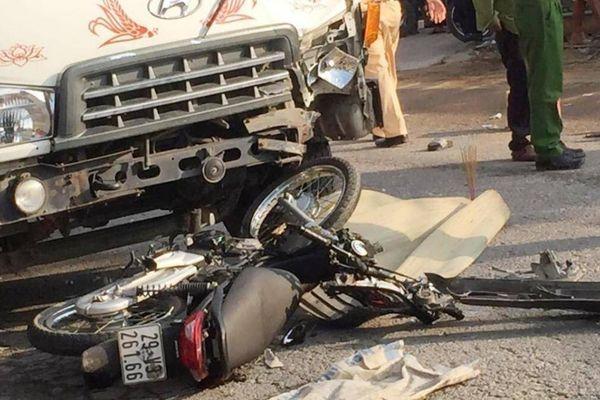 Video TNGT 4/5: Liên tiếp 6 vụ tai nạn, 5 người tử vong thương tâm