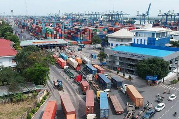 Truy tìm chủ hàng trăm container bỏ tại cảng