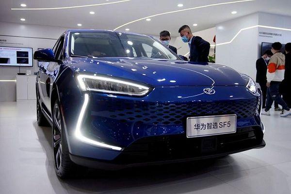 Hãng điện thoại Huawei mua một công ty ôtô để sản xuất xe điện